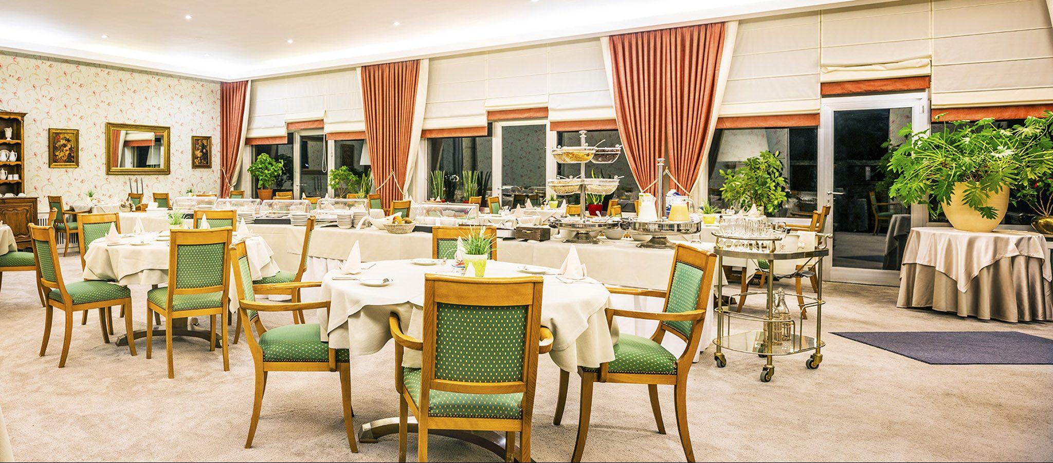 Les Terrasses Fleuries - Petit-Déjeuner Buffet